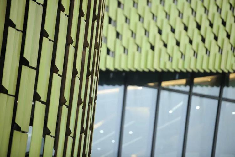 مبنى جديد في قاعة مدينة نينغبو للمعارض