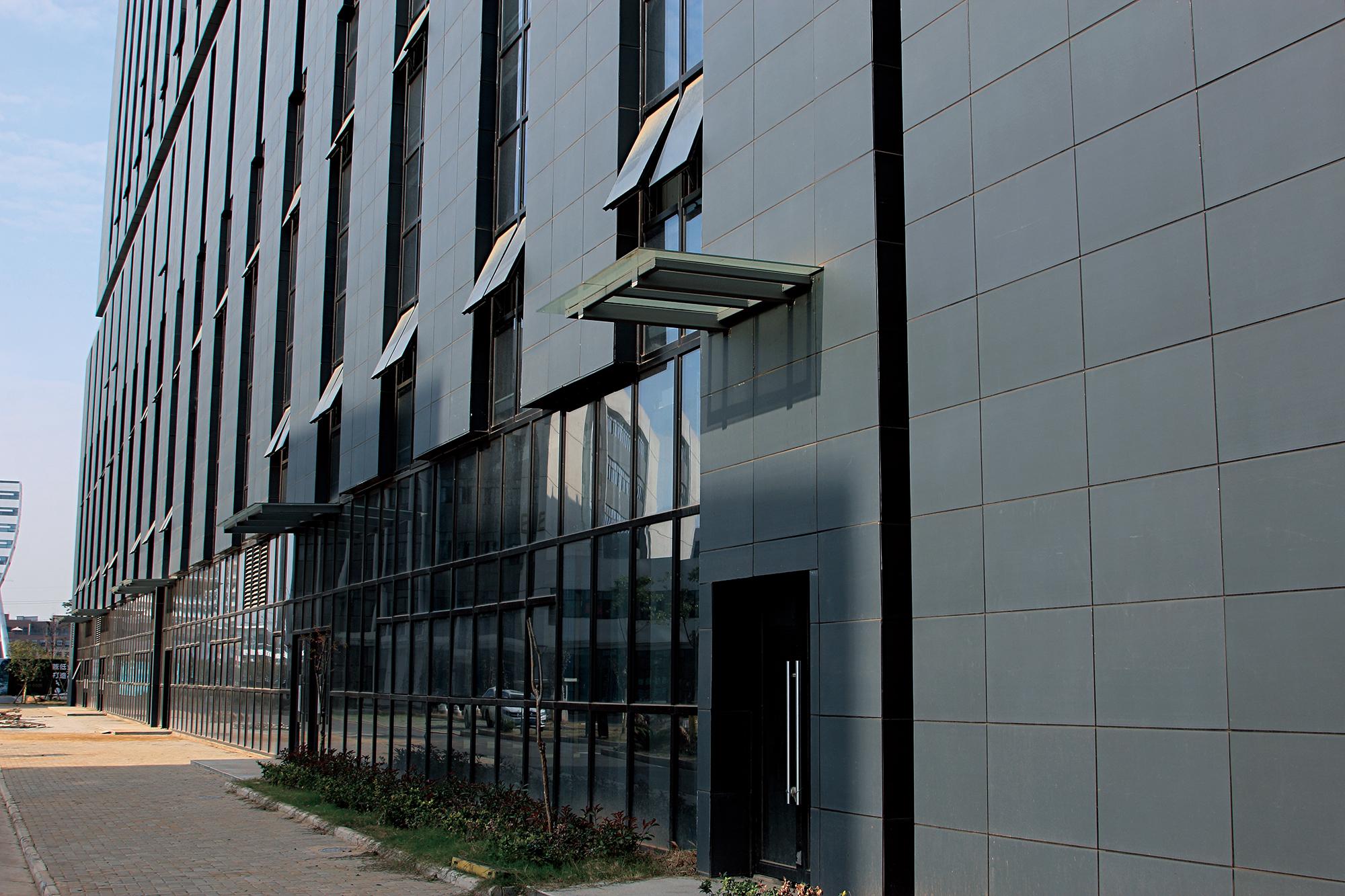 La fusione perfetta di terracotta LOPO e Optical Valley Building