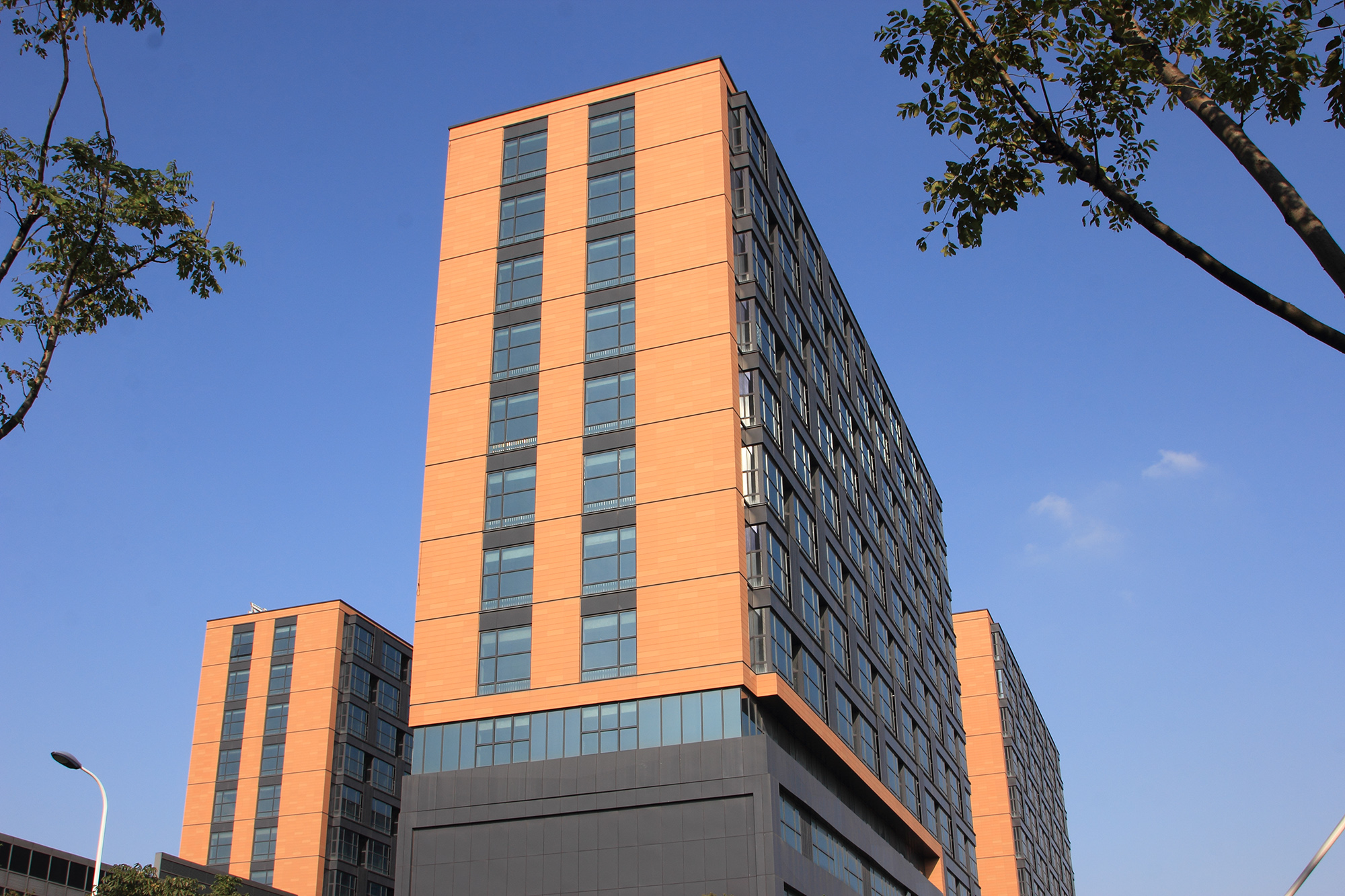 Color Mix And Match Injects Vitality To Terracotta Architecture